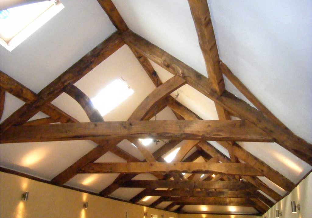 Cwrt-malle-Barn-Roof